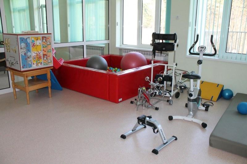 Деца с увреждания остават изолирани и без грижи заради затворени дневни центрове