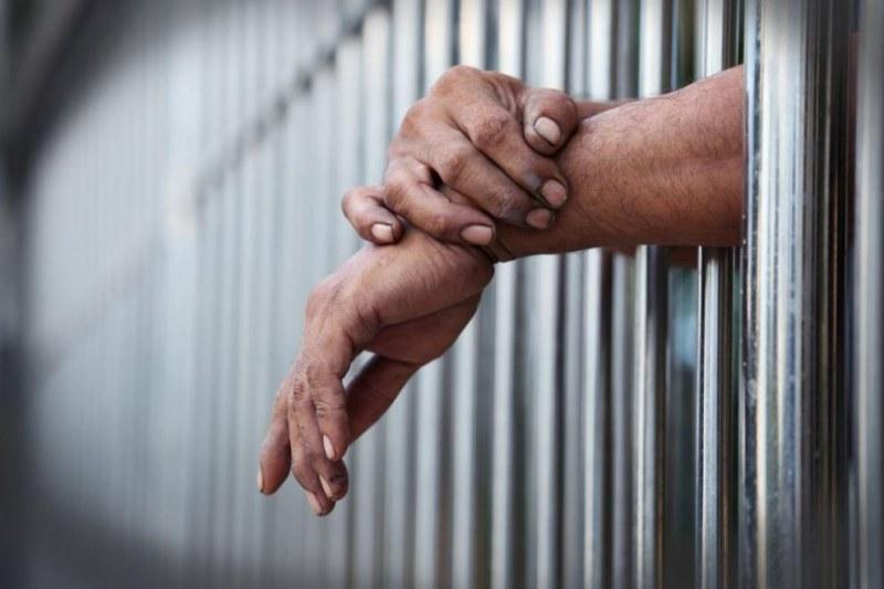 Осъдиха 48-годишен мъж от Пловдив, откраднал телефон и злато от дете