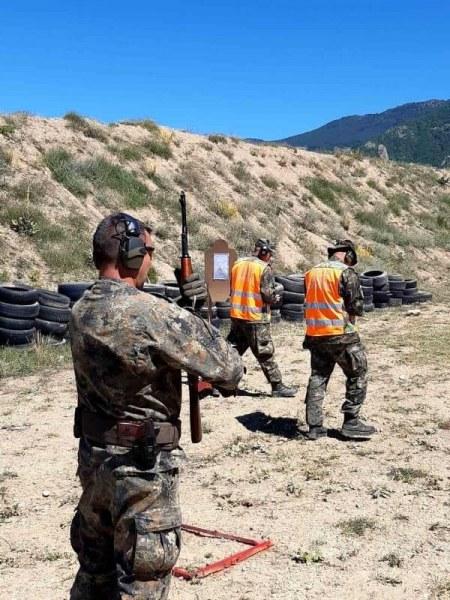 8 отбора от Въоръжените сили на България мериха сили в стрелба на полигона край Анево