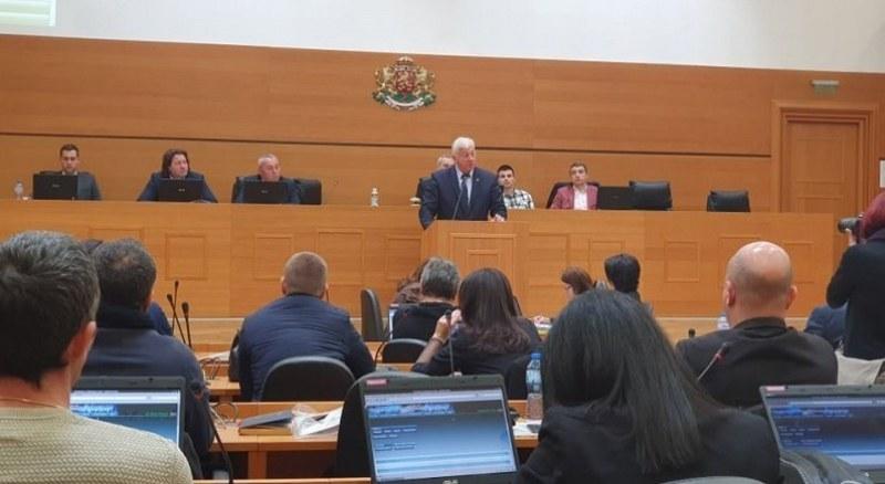 Общинските съветници в Пловдив си вдигат заплатите до 2000 лева месечно – за две сесии и четири комисии