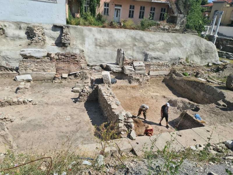 Започнаха разкопки в северната част на Античния форум в Пловдив