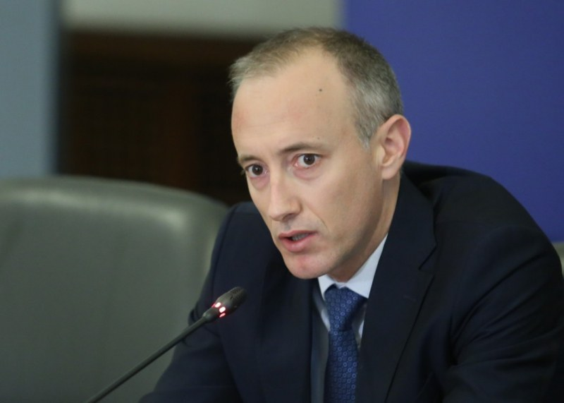 Министърът: Учениците в клас от 15 септември! Училищата превключват на електронно обучение при нужда
