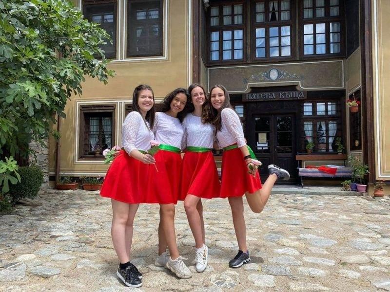 Победа! Момичетата от Карлово спечелиха наградата на публиката в европейското състезание