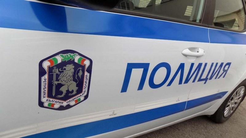 Спипаха без книжка шофьор от Кричим, незаконен тютюн намериха в Стамболийски