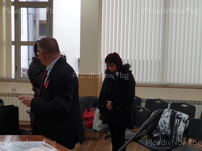 Данъчната от Пловдив, хваната с подкуп, официално се сдоби с обвинение