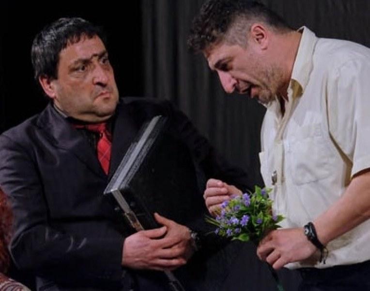 """""""Мъже по чехъл"""" и невероятни комици идват точно след седмица в Карлово"""