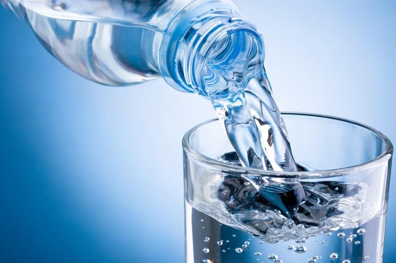 Водата - невидимият съюзник в поддържането на алкално-киселинен баланс в телата ни