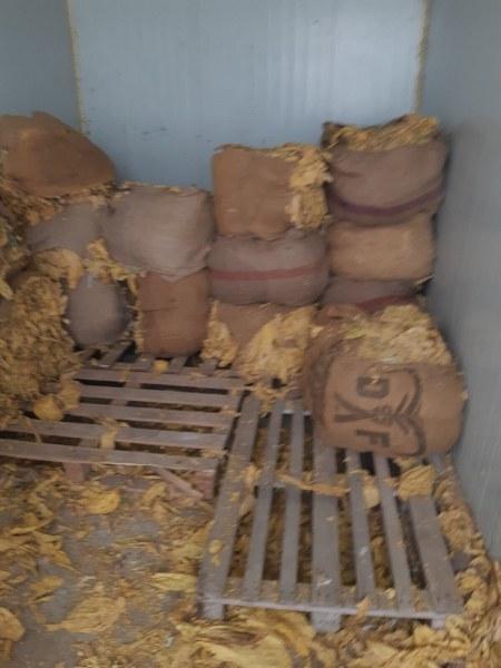 Удар в Столипиново! Разбиха нелегален цех за тютюн, арестуваха Мосю и негов работник