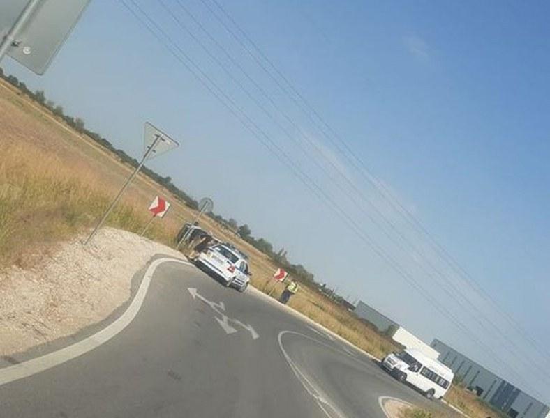Катастрофа край Асеновград, кола се обърна на пътя