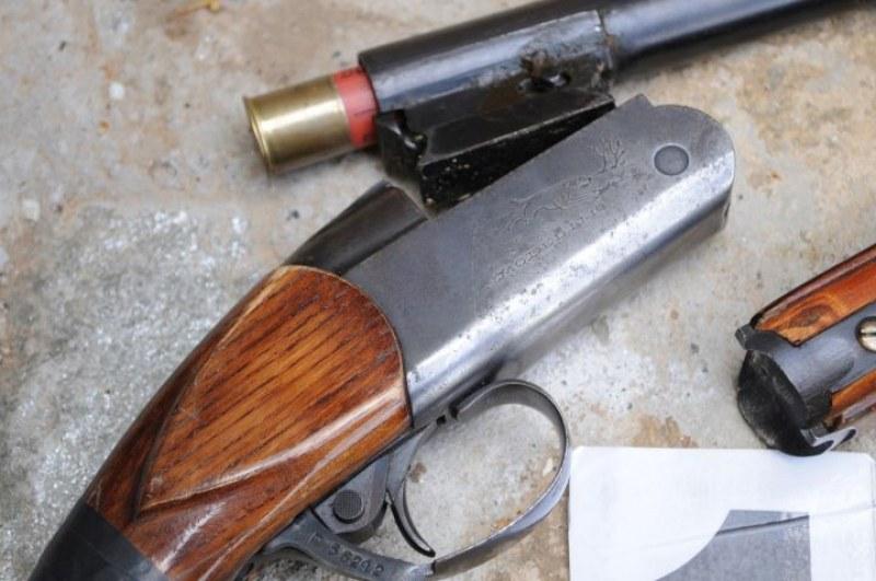 Акция на полицията в Карлово и Раковски, откриха незаконни пушки и патрони