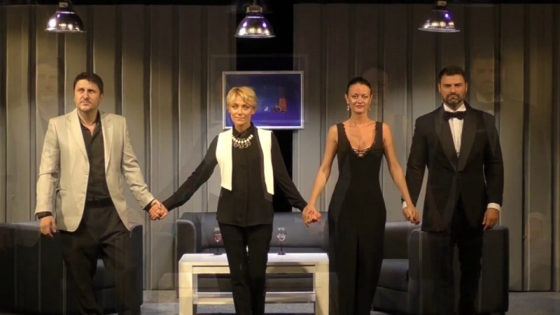 """На бис!  """"Лъжата"""" с Койна Русева, Асен Блатечки и компания разсмива пловдивчани тази вечер"""