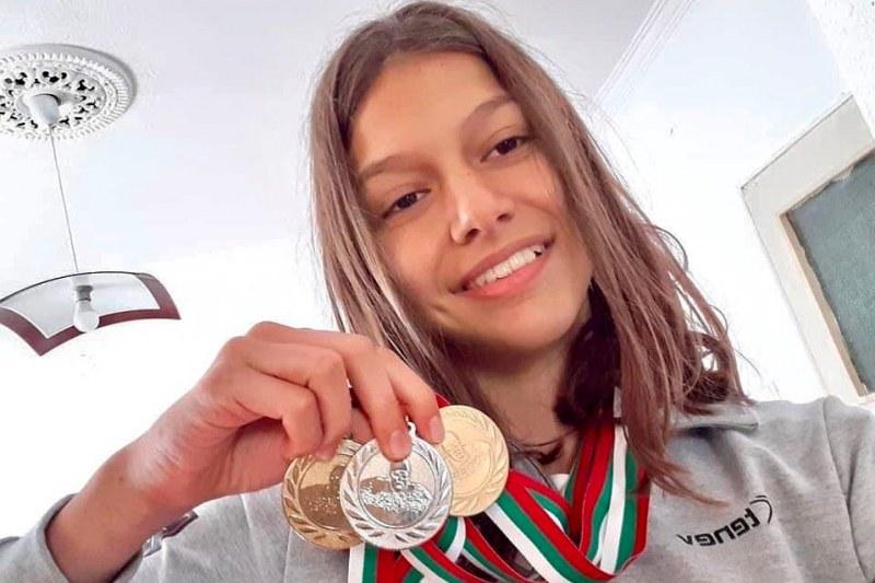 13-годишната Мадлен от Карлово грабна три медала от Купата на кмета