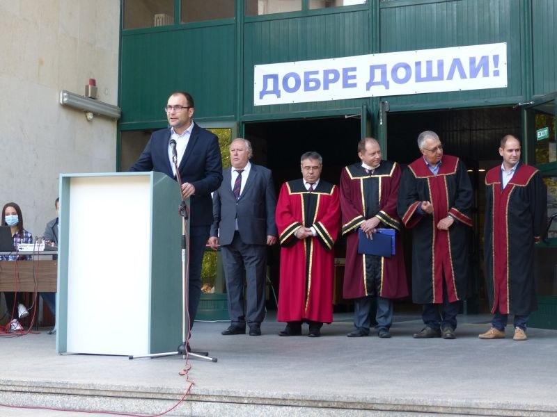 Пламен Панов поздрави първокурсниците от ТУ за откриването на новата учебна година