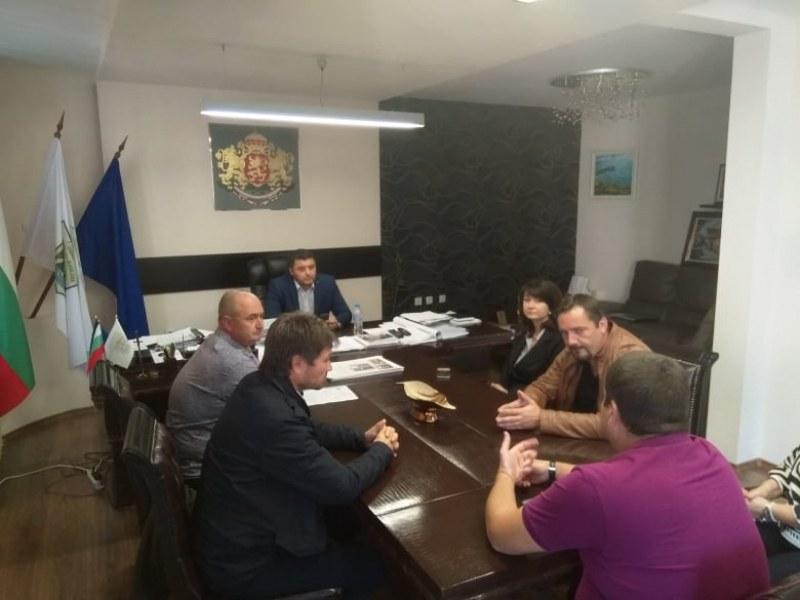 Търсят трайно решение за опасна септична яма в Белащица