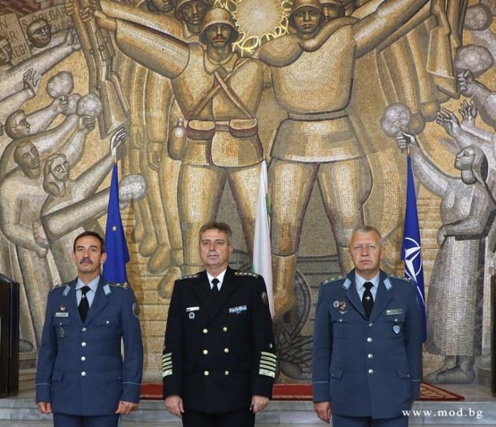 Шефът на авиобазата в Граф Игнатиево стана командир на ВВС