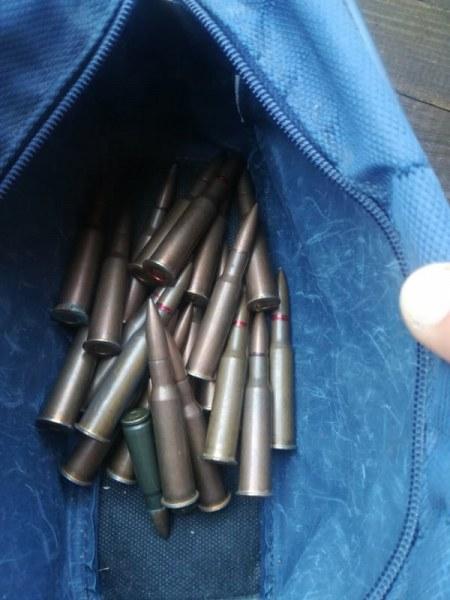 Незаконни оръжия и много патрони откри карловската полиция, има задържан