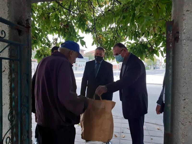 Задържаха 36-годишен мъж от Раковски за обир на пенсионер