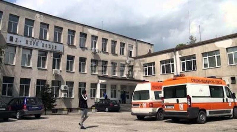 Старша сестра от болницата в Карлово е с коронавирус, учителката и пожарникарят се подобряват