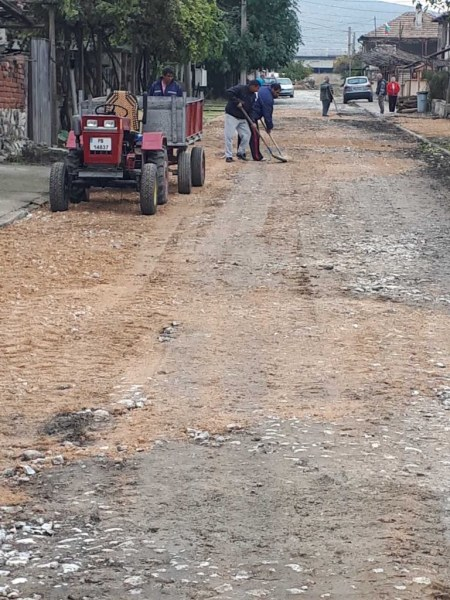 Край на наводненията! Дренажен канал на улица в Куртово Конаре решава проблема