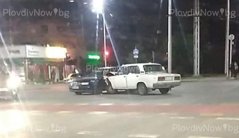 Лада удари Роувър в Кючука, инцидент стана и с пешеходец