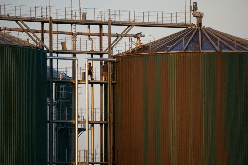 Почистват и отварят резервоар в биоцентралата в Труд, извозват тор