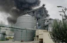След пожара в Катуница: Две сгради напълно унищожени, огънят още тлее