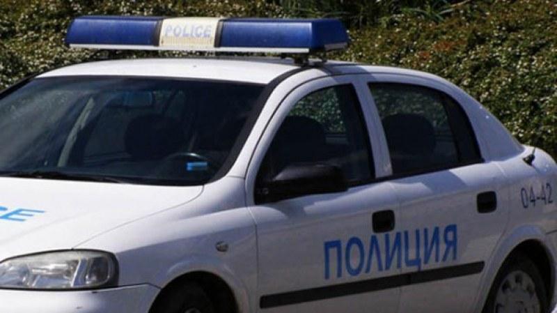 Незаконно оръжие откри полицията в Белозем, друсан шофьор хванаха в Раковски