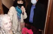 Дългогодишна учителка в Пловдив стана столетница