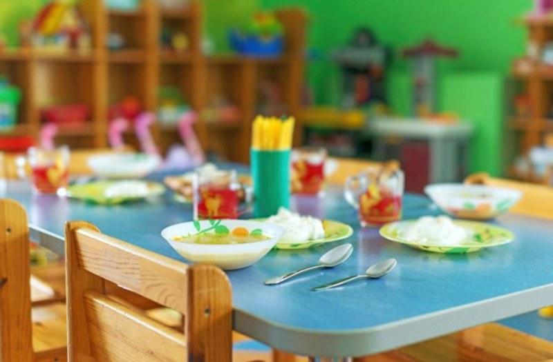 Майките и кметът на Хисаря се разбраха за храненето в детските градини
