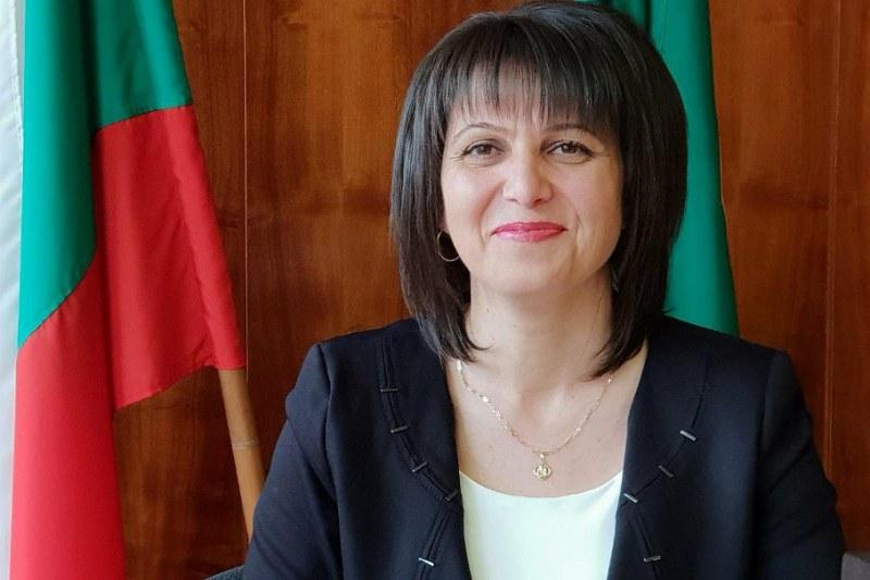 Депутат става учител-доброволец в Карлово, Сопот и Хисаря