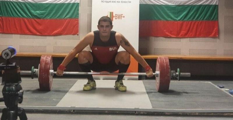 Асеновград домакин на Републиканското по щанги, медалистът Георги се подготвя