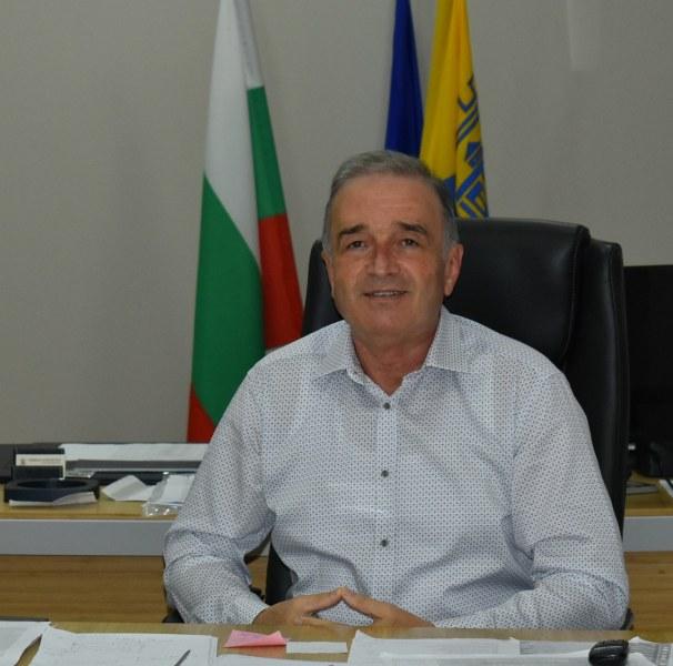 Кметът на Асеновград: Да сме единни, да се подкрепяме и да си подаваме ръка!