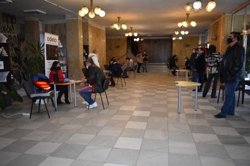 Четирима работодатели търсеха служители на изнесената трудова борса в Асеновград