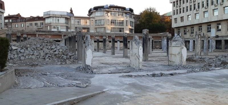 Ремонтът на площада в Асеновград приключва след две години