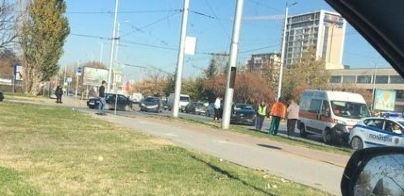 Катастрофа на кръгово в Тракия, пристигнаха полиция и линейка