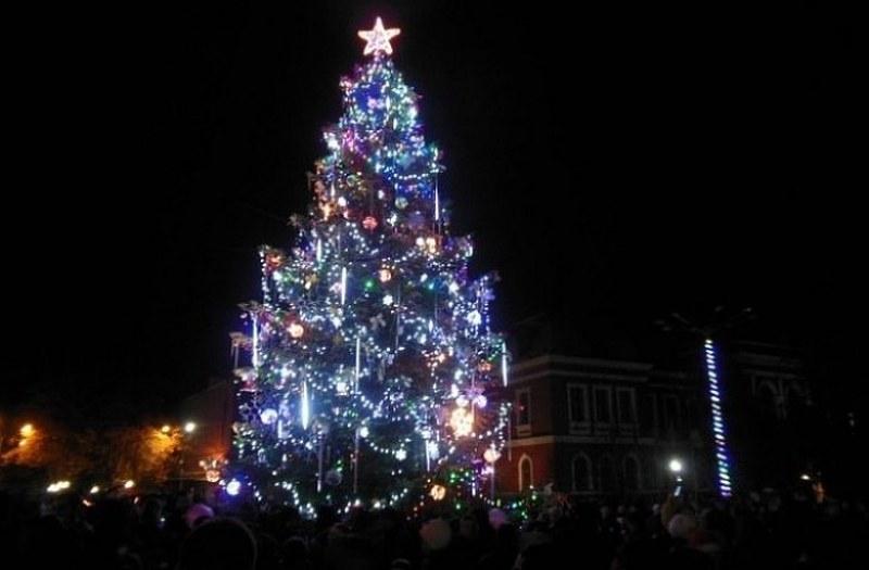 Коледно-новогодишните празници в Асеновград само с две събития на открито