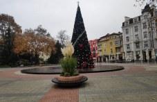 Центърът на Пловдив - тъжен, пуст, студен...
