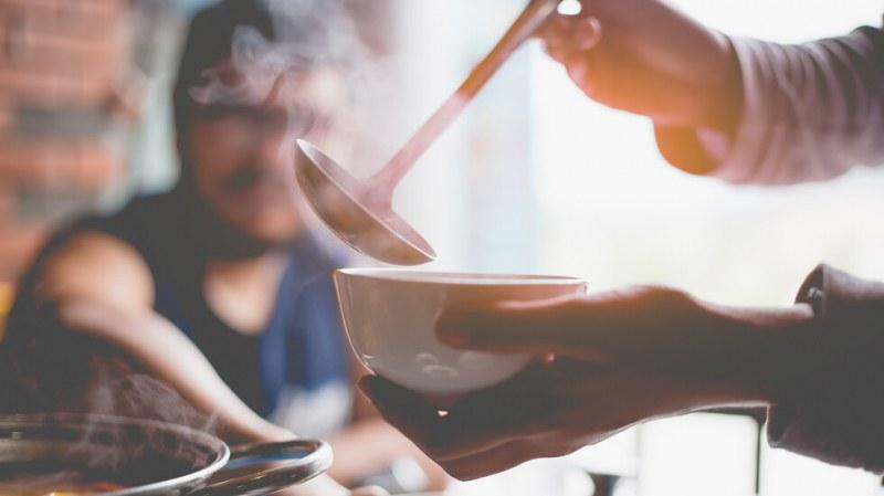"""Удължават услугата """"топъл обяд"""" в Кричим почти до края на април"""