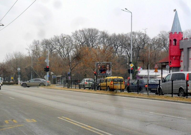 Ремонт спира движението по булевард в Пловдив, 5 автобуса променят маршрути