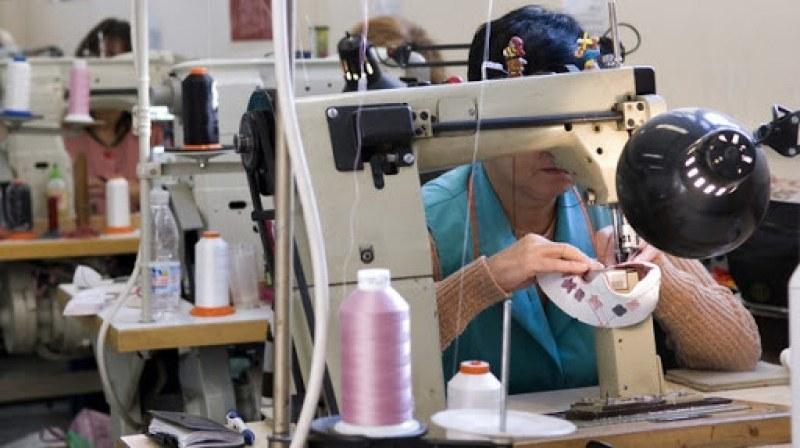 Над 60 свободни работни места за Карлово и Сопот, търсят шивачи и машинни оператори