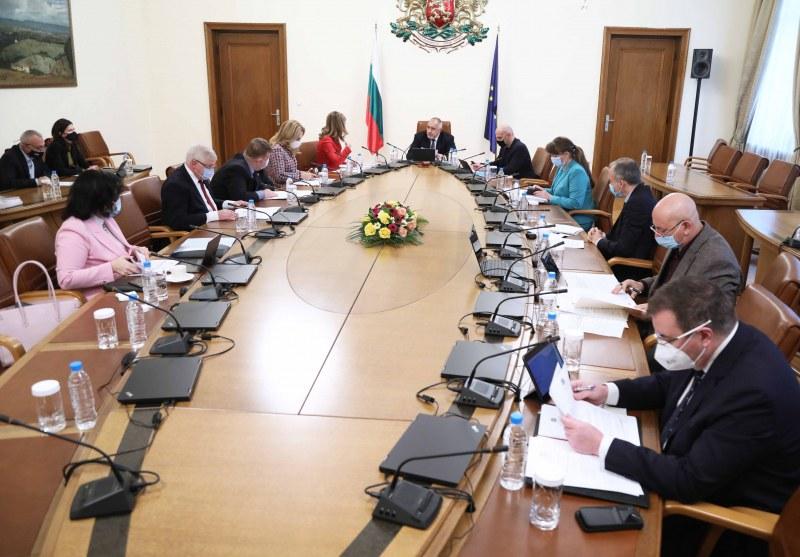 Отпускат 2 млн. лева за училища и градини в 5 общини, включително и Раковски