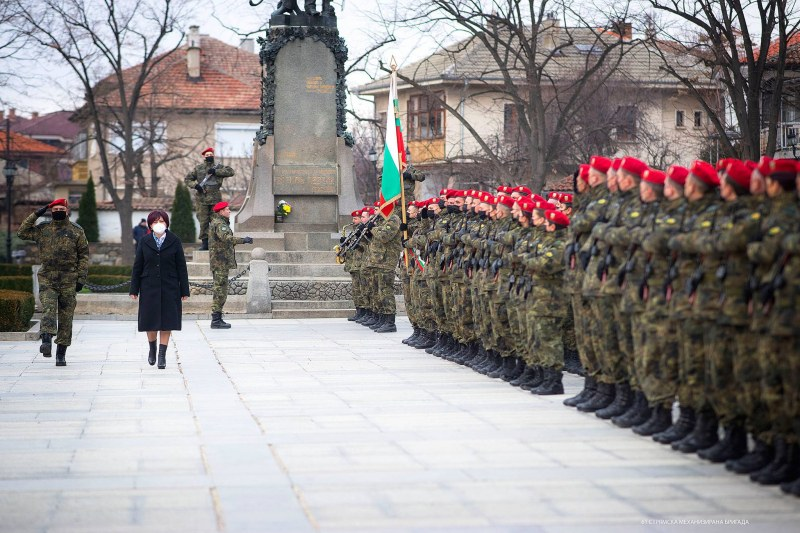 Цвета Караянчева участва в честването на 143-та годишнина от избора на Първия градски съвет в Карлово