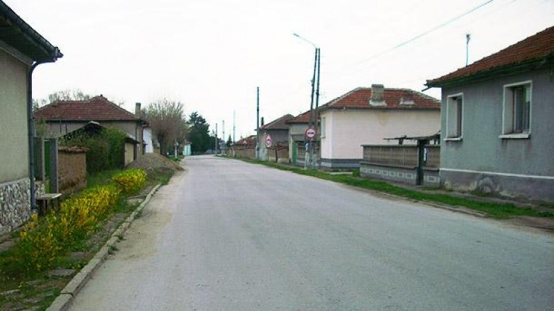 Брезовско село с нов водопровод, ще пият чиста вода без уран