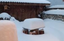 """До 80 см сняг по високите места на община """"Родопи"""", обстановката е овладяна"""
