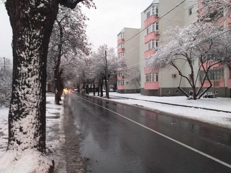 60 машини чистиха Пловдив тази нощ