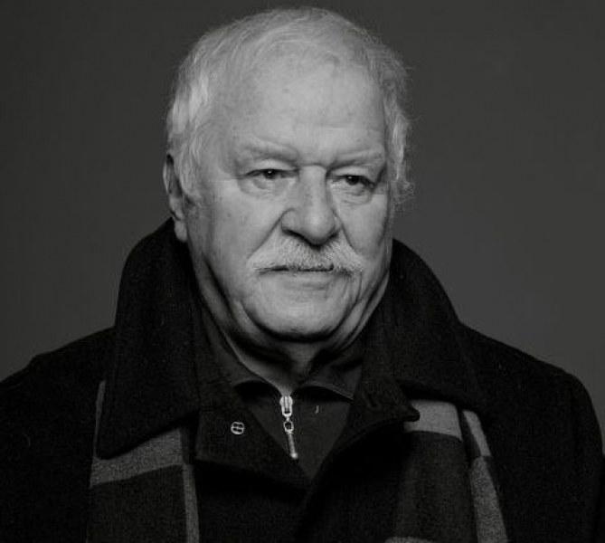 Михаил Кръстев - автор, вдъхновен от Априлското въстание в Перущица и почетен гражданин