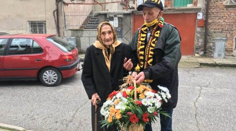 Баба Стоянка от Стамболийски прехвърли столетието, стана на 101