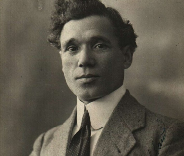 Фратьо Фратев - един от първите български актьори, роден в Сопот на днешния ден