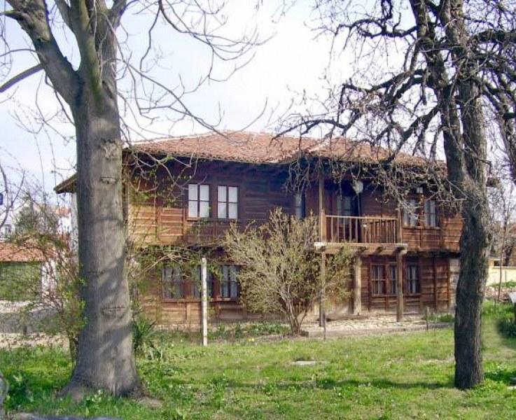 Община Брезово почита паметта на Васил Левски за 148 години от трагичната му смърт