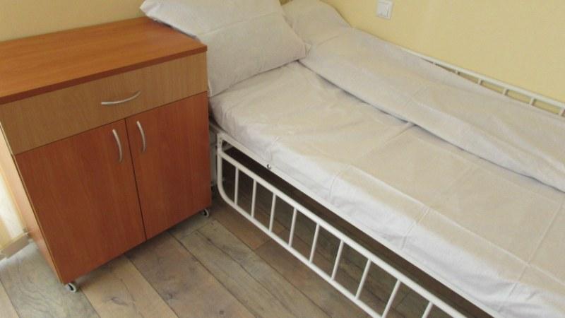 Екип от 5 души анализира състоянието на болницата в Сопот